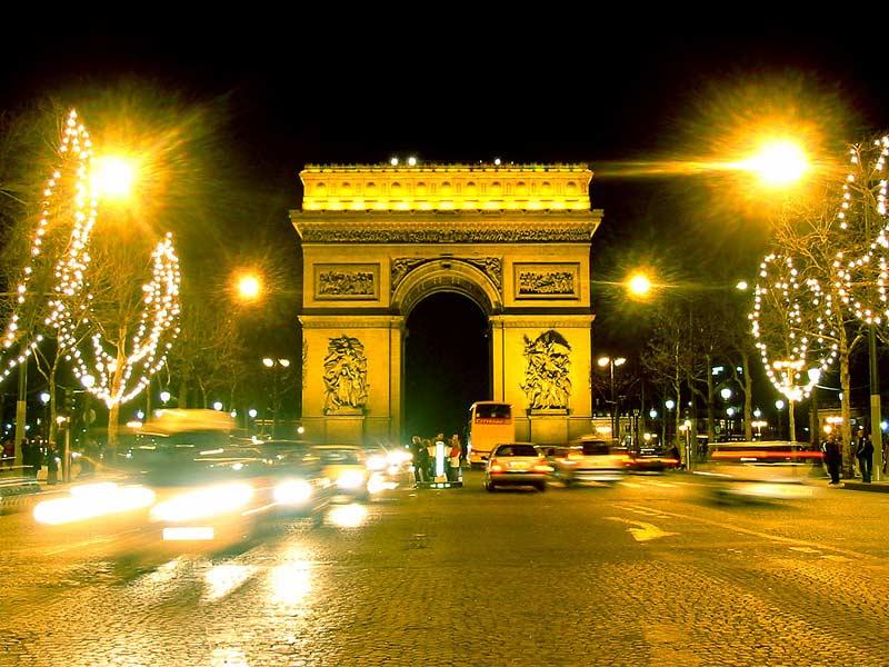 Paris Wallpaper - Eiffel Tower, Arc de Triomphe, Louvre mus, Notre Dame.